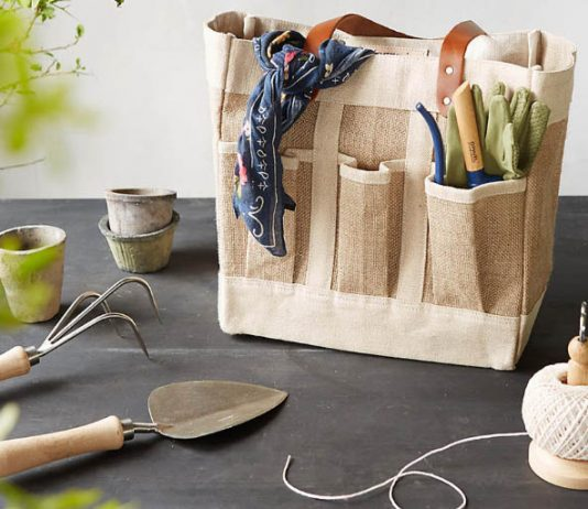 10 Outstanding Gardening Gifts for Your Green-Thumbed Friends
