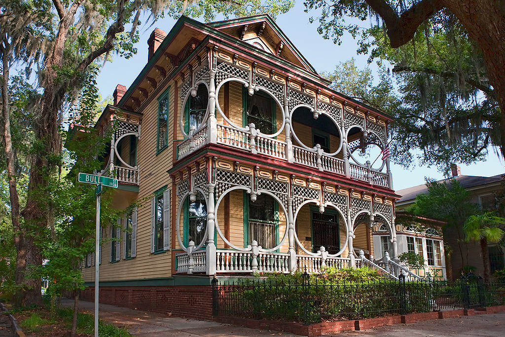 ornate victorian style home in savannah.